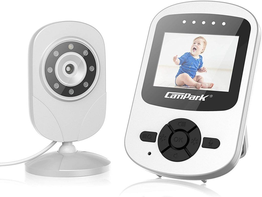 L'écoute bébé vidéo Campark a un écran LCD couleur de 2,4 pouces.