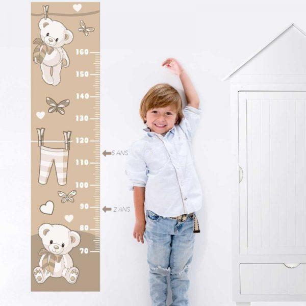 Toise bébé stickers pour décorer la chambre de bébé et suivre l'évolution de sa taille.