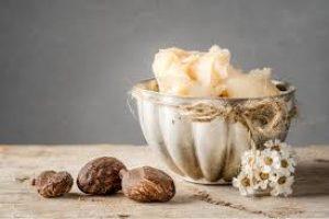 Beurre de karité pour éviter l'apparition des vergetures