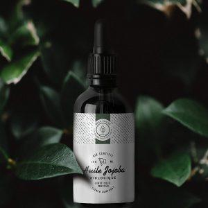 Cette huile de jojoba est biologique et pressée à froid.