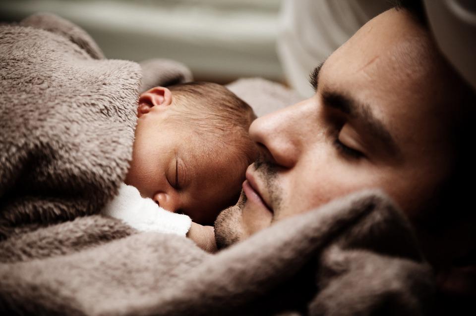 Il est souvent difficile d'endormir son enfant, découvrez nos conseils pour y parvenir.