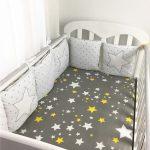 Il est important de bien choisir le linge de lit de bébé afin qu'il dorme paisiblement.