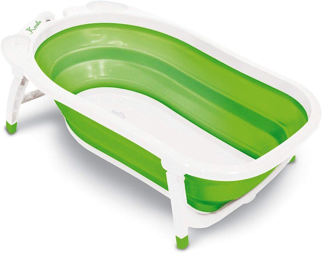 La baignoire dBd Remond est blanche et verte.