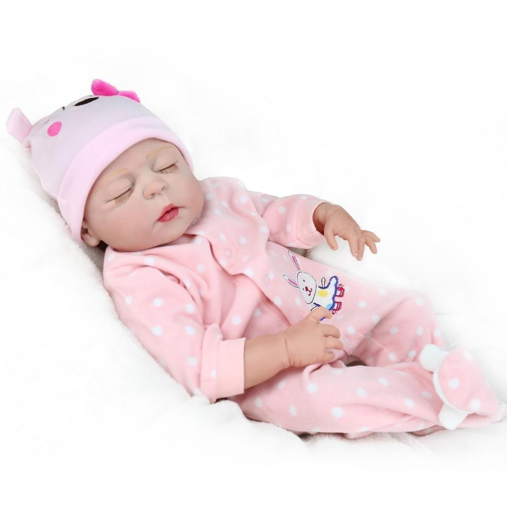 Un bébé reborn est un poupon extrêmement réaliste à adopter.