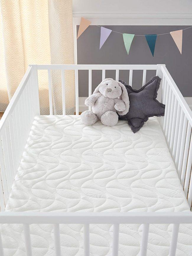 Le matelas bébé Babysom est très confortable.