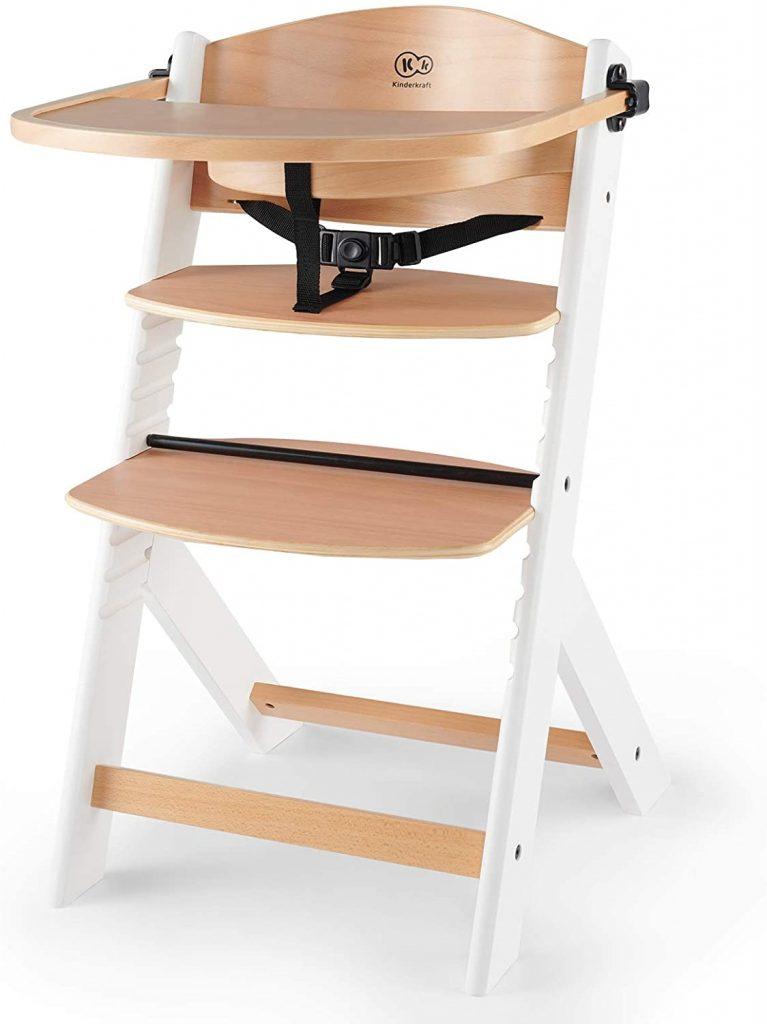La chaise haute Kinderkraft ENOCK est en bois naturel.