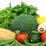 L'acide folique ou vitamine B9 se trouve dans les légumes verts, les fruits...