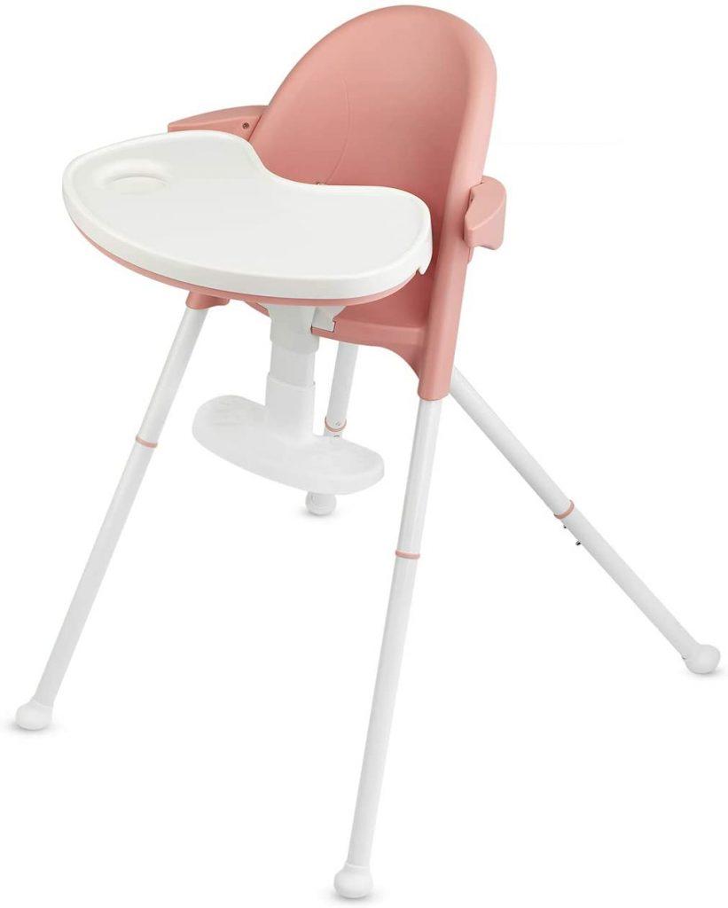 La chaise haute évolutive Kinderkraft PINI a un repose-pieds réglable en hauteur.