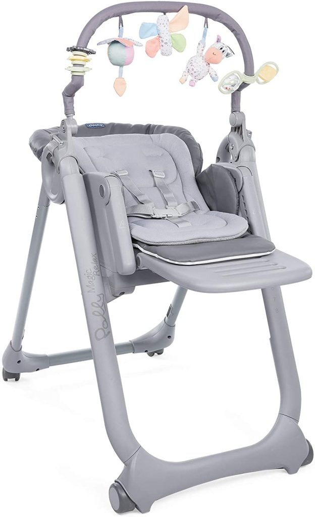 La chaise haute Polly Magic est une création de la marque Chicco.