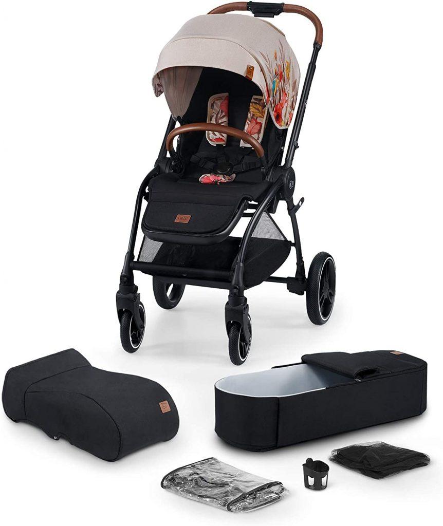 La poussette Kinderkraft EVOLUTION COOCON est livrée avec des accessoires.