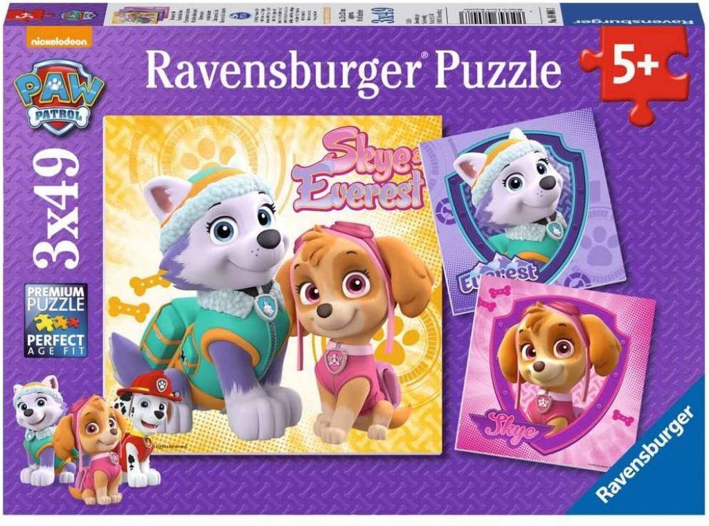 Ce puzzle de la Pat Patrouille avec Stella comprend 3 puzzles de 49 pièces.