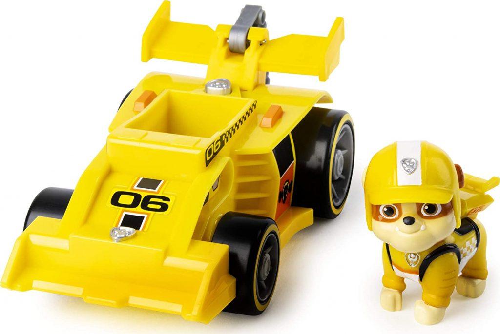 Le véhicule Ready Race Rescue de Ruben est une voiture de course jaune.