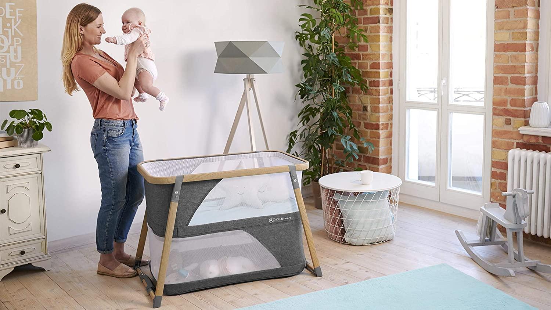 Le lit de voyage pour bébé Kinderkraft SOFI propose un mode bascule pour apaiser votre enfant.