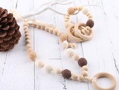 Le collier d'allaitement : un accessoire tendance et utile