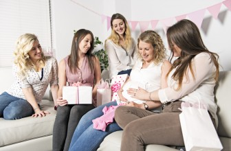 Quel cadeau offrir à une amie enceinte ?